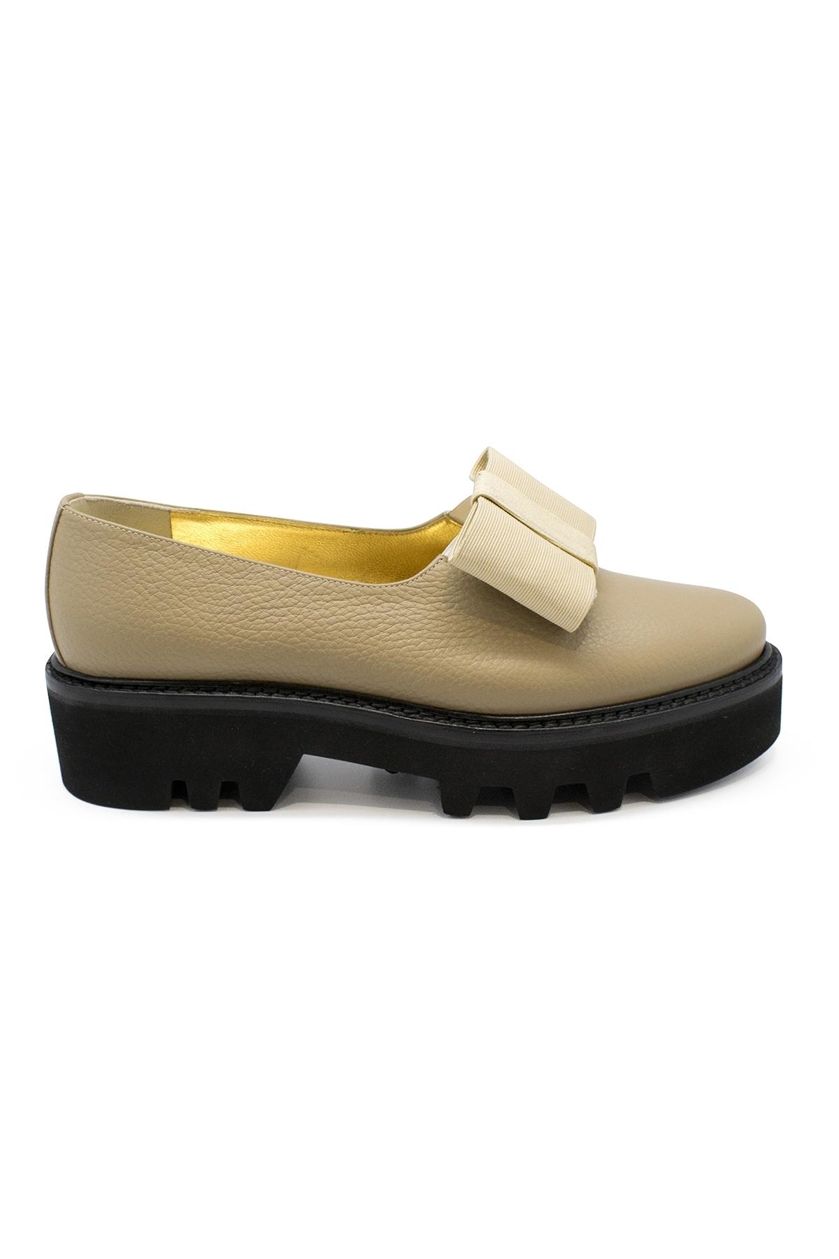 Smoking shoes