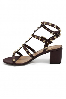 Valentino Rockstud sandals in bordeaux leather with platinium finish studs and low heel