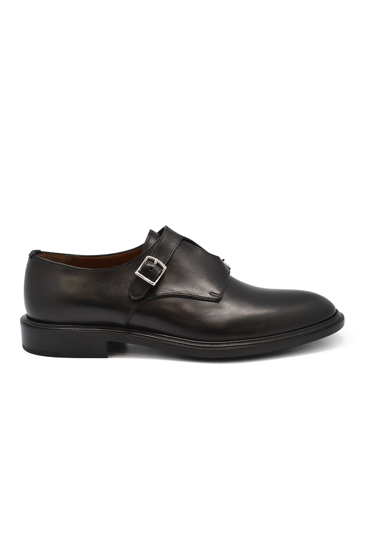 Buckles leather shoes